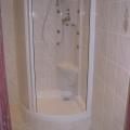 sprchovy-kout-s-masaznim-panelem